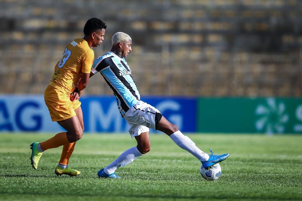 Jean Pyerre em ação contra o Brasiliense — Foto: Lucas Uebel / Grêmio FBPA
