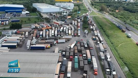 Protesto de caminhoneiros contra aumento do valor do diesel fecha trechos de rodovias baianas