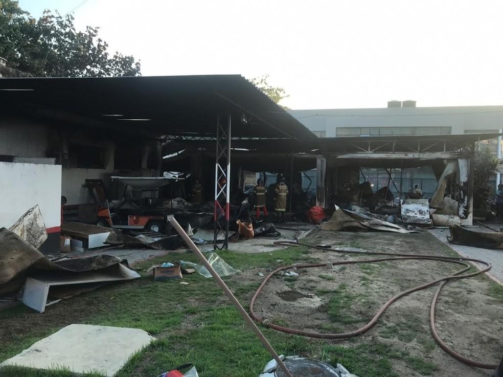 Alojamento do Ninho do Urubu ficou destruído — Foto: GloboEsporte.com