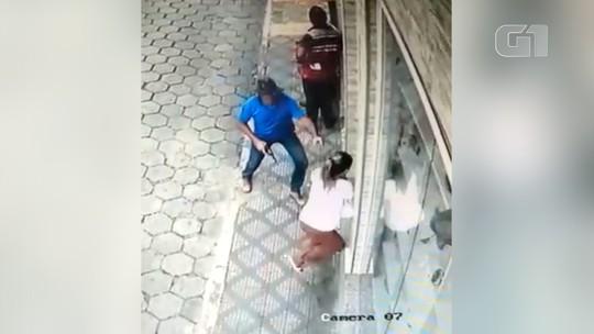 VÍDEO: Criminoso armado rouba malote com R$ 26 mil em Cunha