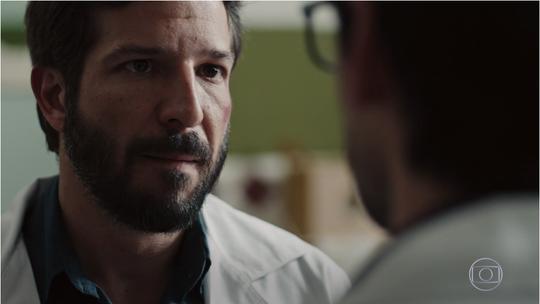 Evandro e Rafael discutem sobre Madalena e neurocirurgião toma decisão