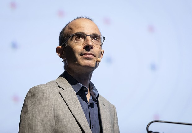 """""""Muitos líderes que se dizem nacionalistas, como o presidente americano, não o são"""", disse Yuval Harari (Foto: Leo Orestes)"""