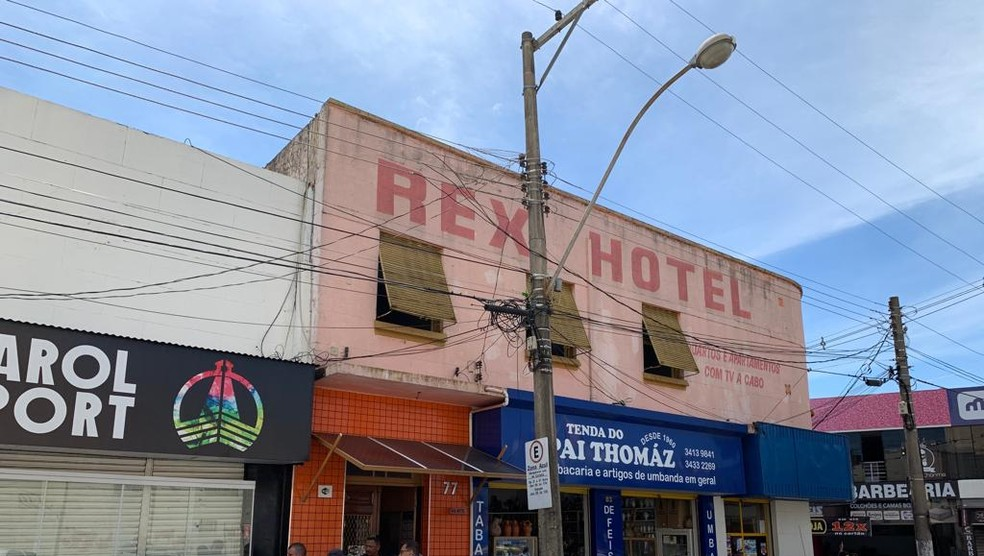 Mulher foi achada morta em quarto de hotel — Foto: Guilherme Lopes/TV TEM
