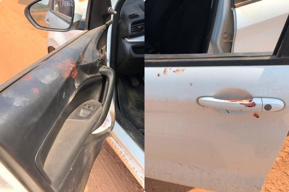Marcas de sangue no carro do prefeito Valmir Climaco que ainda conseguiu dirigir até sua residência — Foto: Ascom PMI/Divulgação