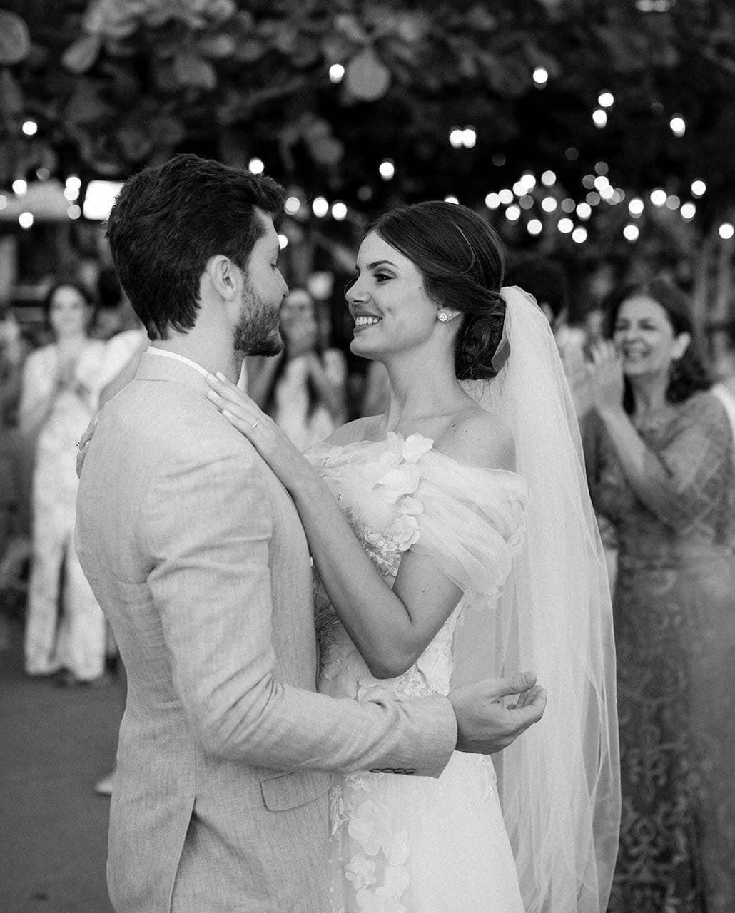 Camila Queiroz e Klebber Toledo se casam em Jericoacoara (Foto: divulgação/ Rodrigo Sack)