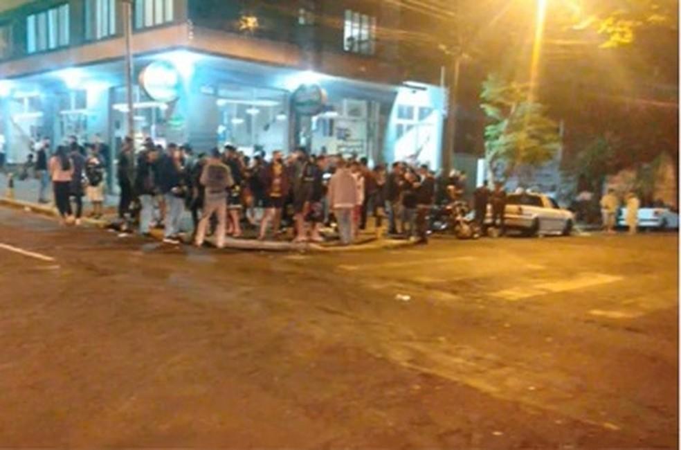 Cascavel teve registros de aglomeração no fim de semana em vários bares  — Foto: Reprodução/RPC