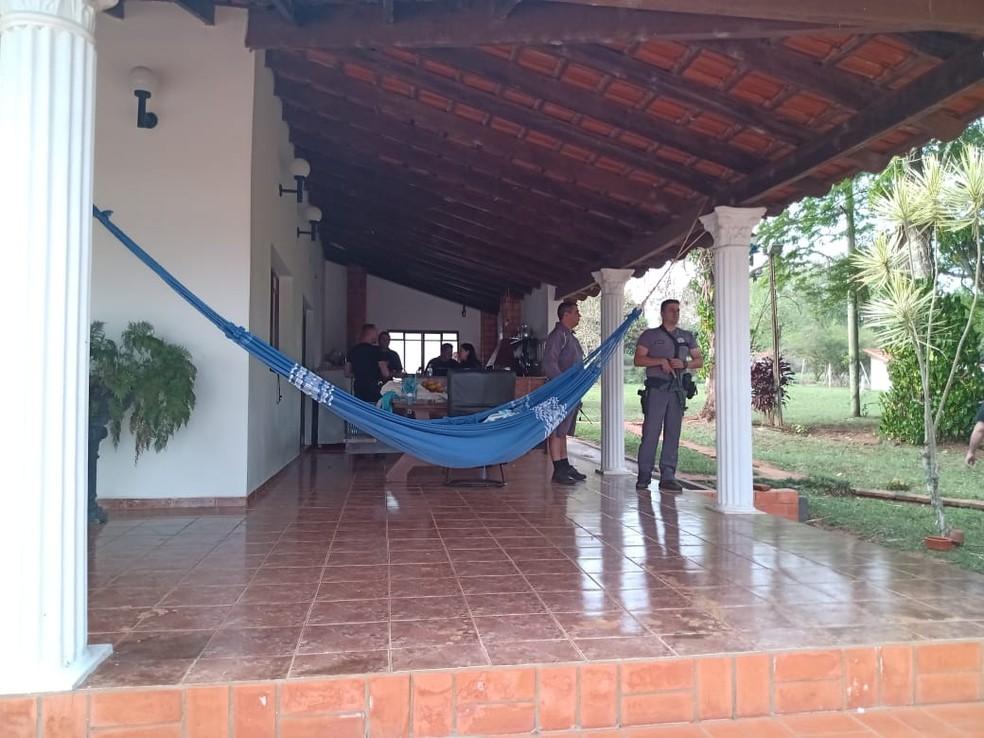 Policiais civis e militares prenderam Zequinha em Tejupá — Foto: Polícia Militar/Divulgação
