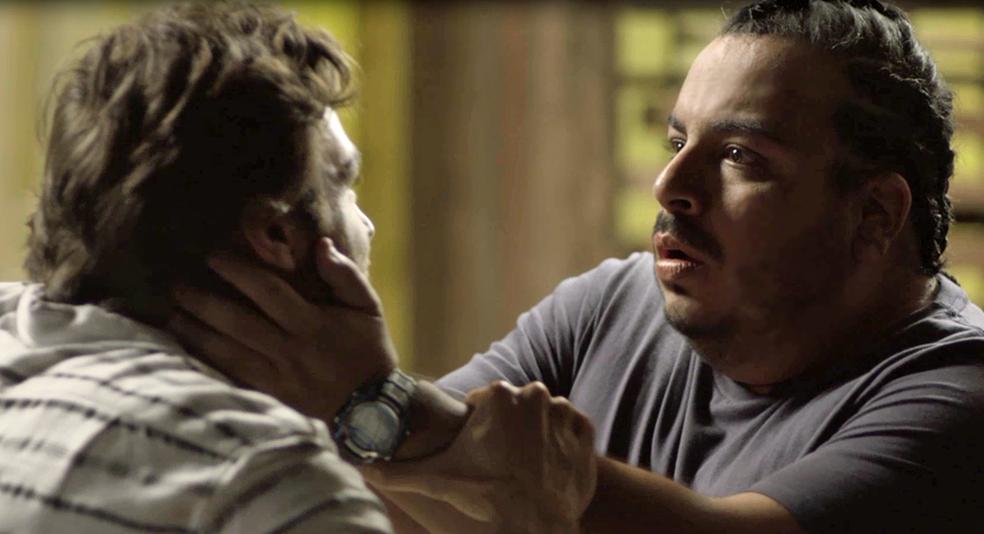 Clóvis fica em choque ao reencontrar Beto (Foto: TV Globo)