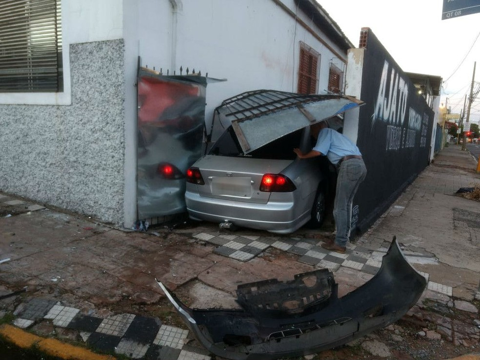Acidente entre dois carros em Bauru mata um dos motoristas — Foto: Arquivo pessoal/Maurício da Cunha