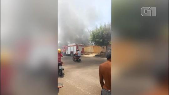 Incêndios em terrenos baldios deixam moradores em pânico na Zona Sul de Teresina