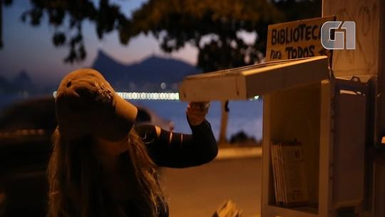 Projeto 'Museu de Rua' instala bibliotecas feitas com carcaça de micro-ondas pelas ruas de Niterói, no RJ