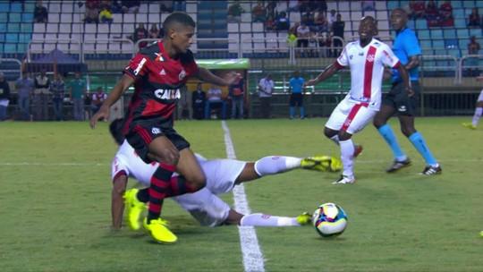 Juninho elogia Márcio Araújo e vê sua saída do time titular do Fla precoce