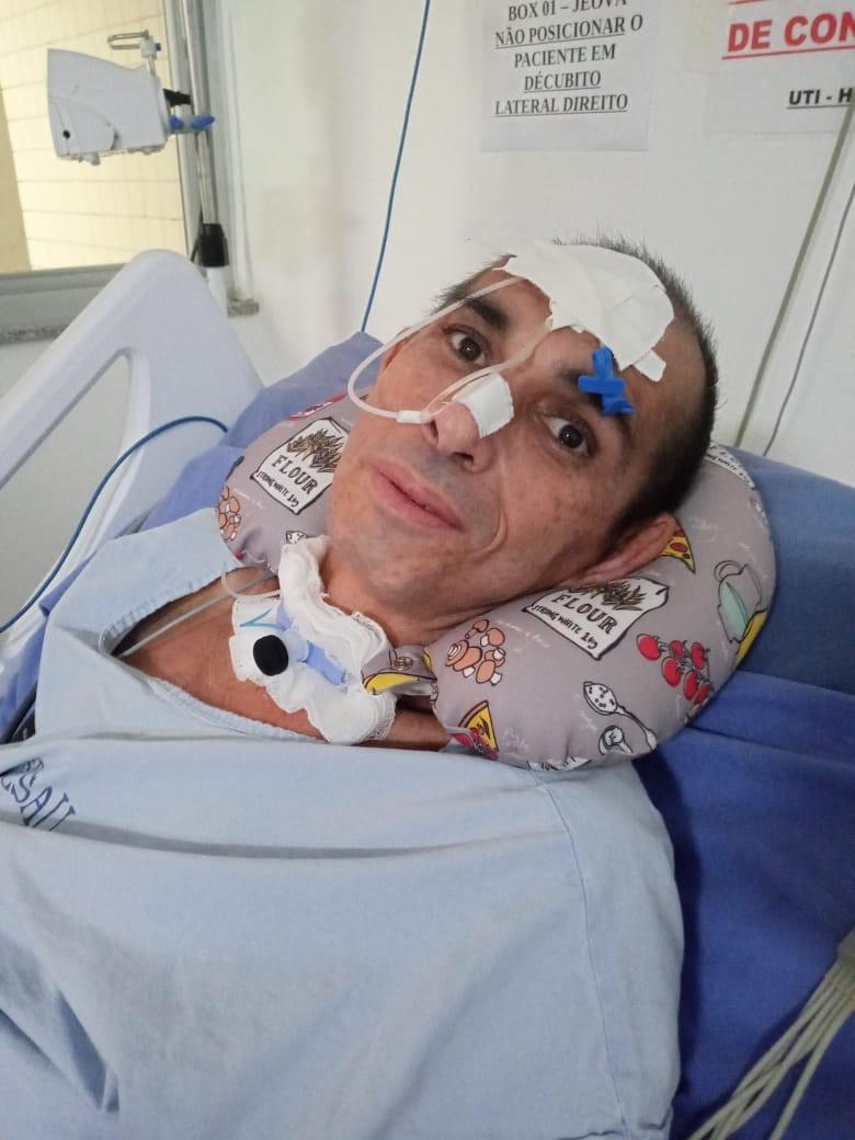 Professor internado fica em estado grave após ter alimento injetado na veia em hospital de RR