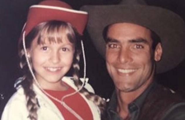 A atriz numa foto com Paulo Zulu (Foto: Reprodução/Instagram)