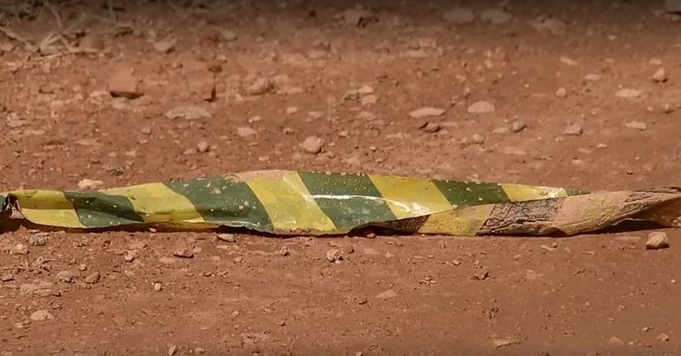 Pai de adolescente morreu no local do acidente em Jumirim  — Foto: Reprodução/TV TEM