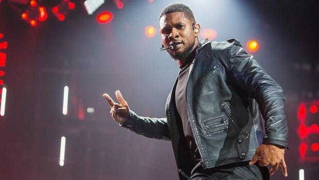 Ele gastou uma fortuna para levar o cantor americano Usher para se apresentar na festa de aniversário de uma namorada, no Reino Unido (Foto: Getty Images via BBC)