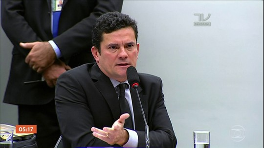 Bolsonaro diz que não vai interferir no trabalho de Sérgio Moro