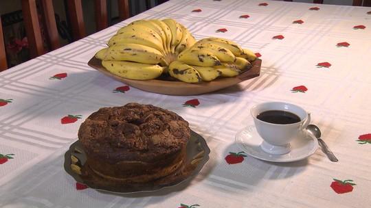 Receita de bolo de banana: fruta é um dos principais produtos de Ravena