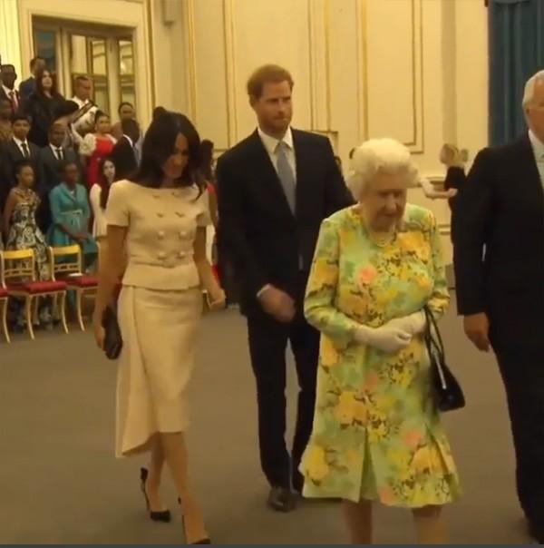 Meghan Markle, Príncipe Harry e Rainha Elizabeth II (Foto: Instagram)
