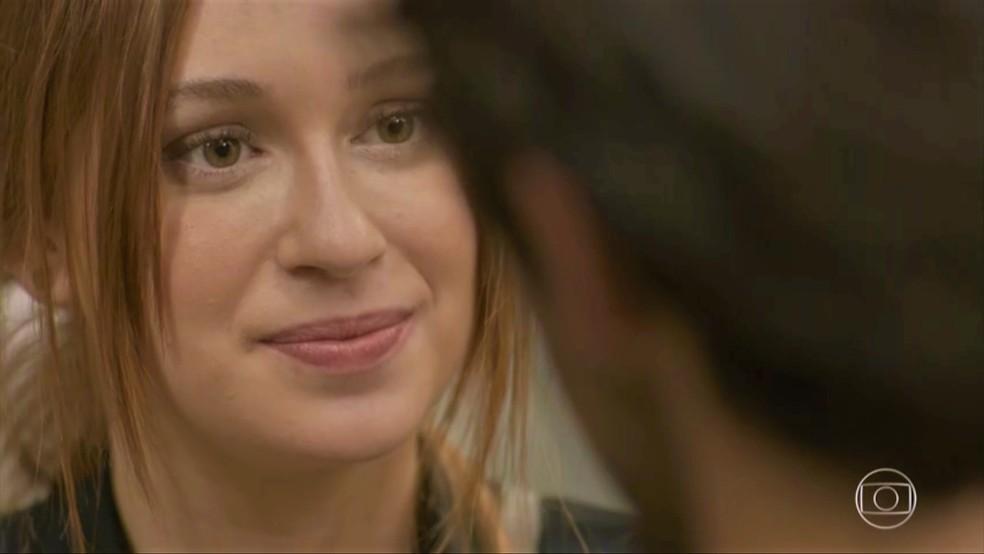Eliza (Marina Ruy Barbosa) também se declara para o ex e o chama de sapo — Foto: TV Globo