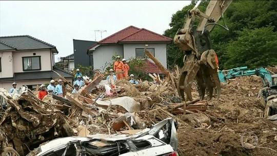 Nº de mortos após tempestades no Japão vai a 179; premiê visita regiões afetadas