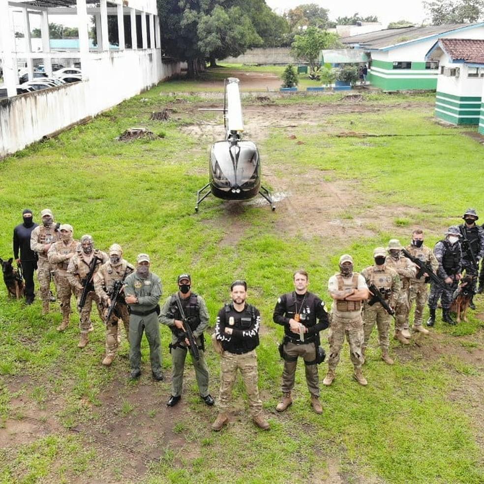 Mais de 30 policiais cumprem mandados de prisão e de busca e apreensão — Foto: Polícia Civil/Reprodução