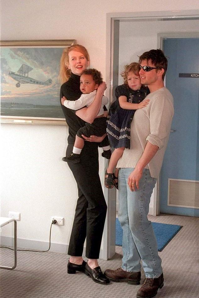 Nicole, Tom, Isabella e Connor (Foto: Reprodução)