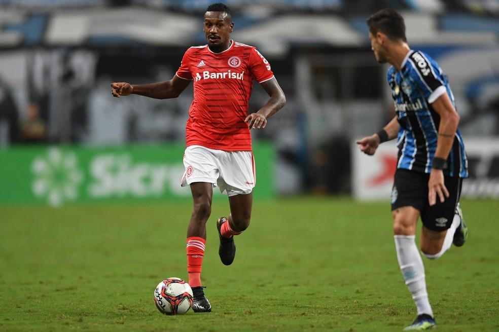 Edenilson pouco apareceu na partida da Arena — Foto: Ricardo Duarte/Divulgação, Inter