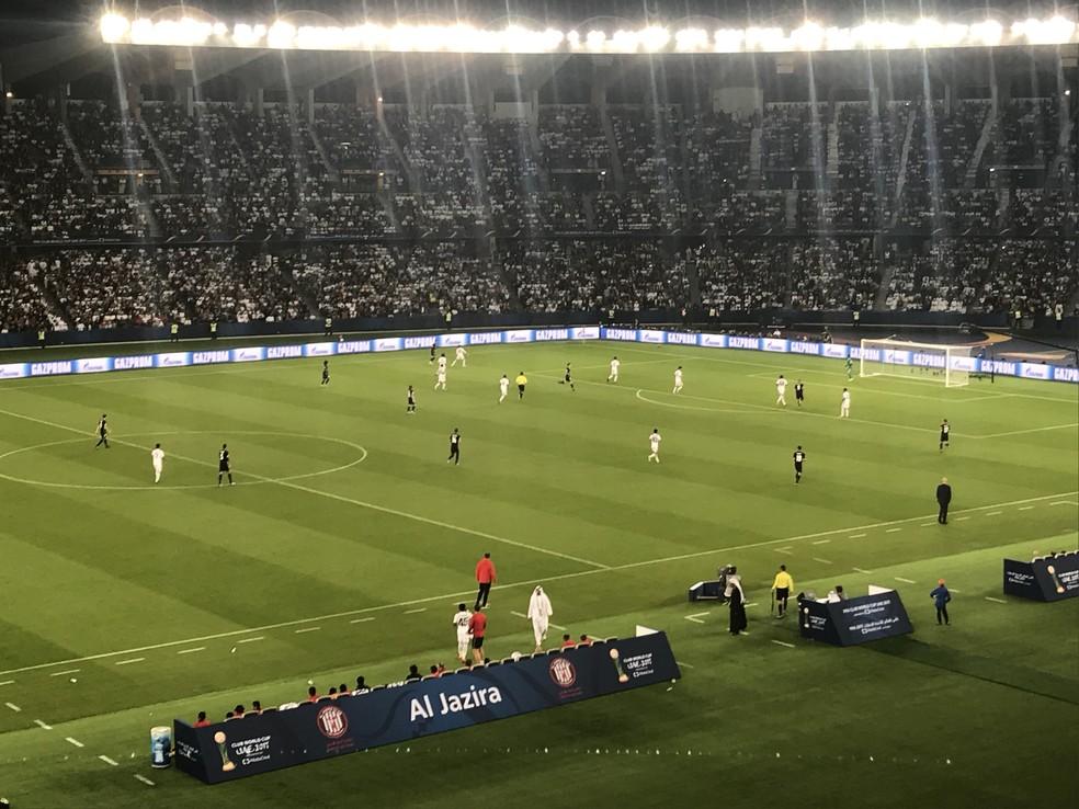 Al Jazira atuou com bloco baixo na defesa em semifinal  (Foto: Eduardo Moura)