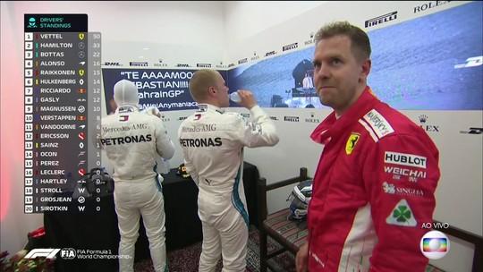 """Vettel defende Hamilton em questão sobre polêmica com Max: """"Pergunta de m..."""""""