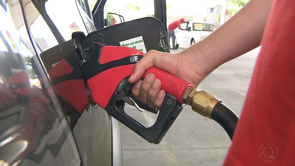 Posto de combustível em João Pessoa  (Foto: Reprodução/TV Cabo Branco)