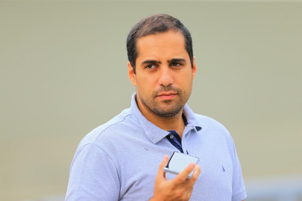 Hugo Jorge Bravo, presidente do Vila Nova, diz que pretende mandar jogos no OBA — Foto: Wildes Barbosa/O Popular