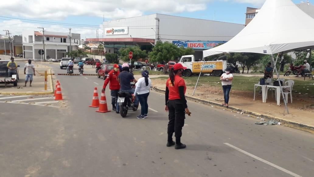 Prefeitura de Afogados da Ingazeira instala cancela nas barreiras sanitárias