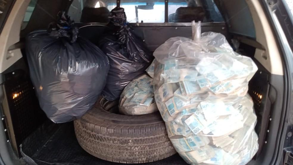 Dinheiro apreendido pela polícia durante operação em SP — Foto: Divulgação/MP, Secretaria Estadual da Fazenda e Receita Federal