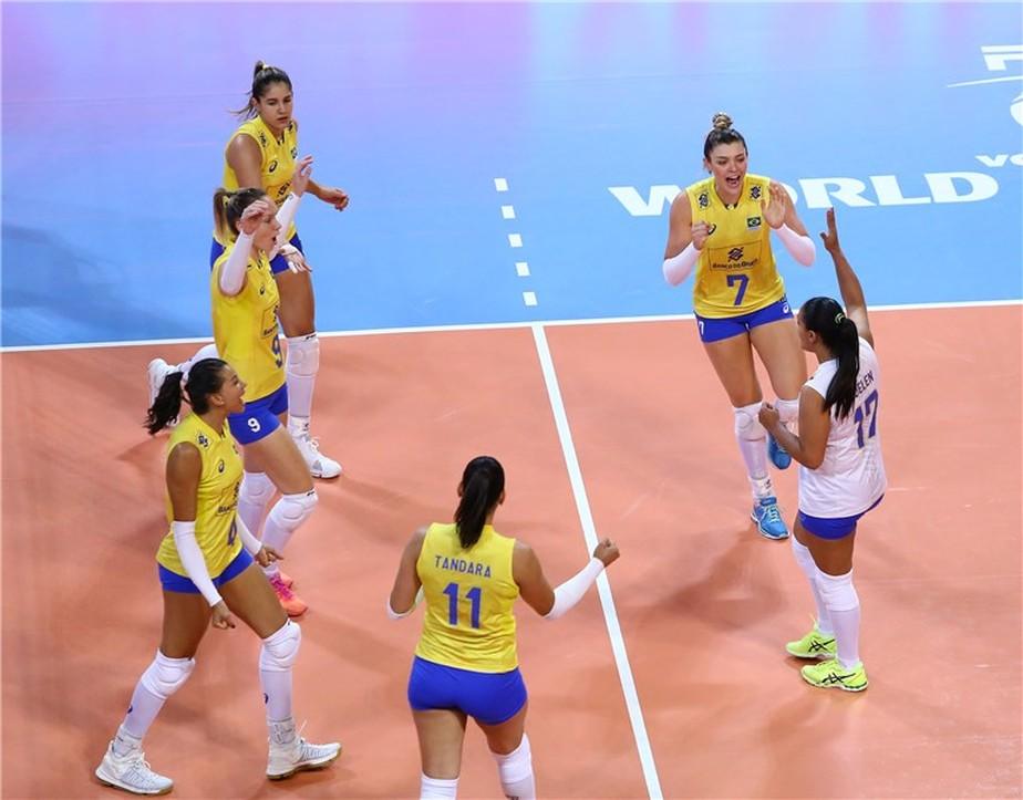 Tandara brilha no tie-break, e Brasil vence turcas em jogo equilibrado no Grand Prix