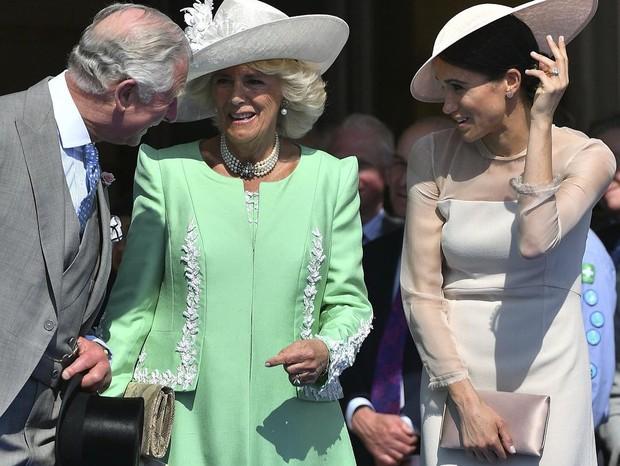 Charles, Camilla e Meghan (Foto: Reprodução/Instagram)