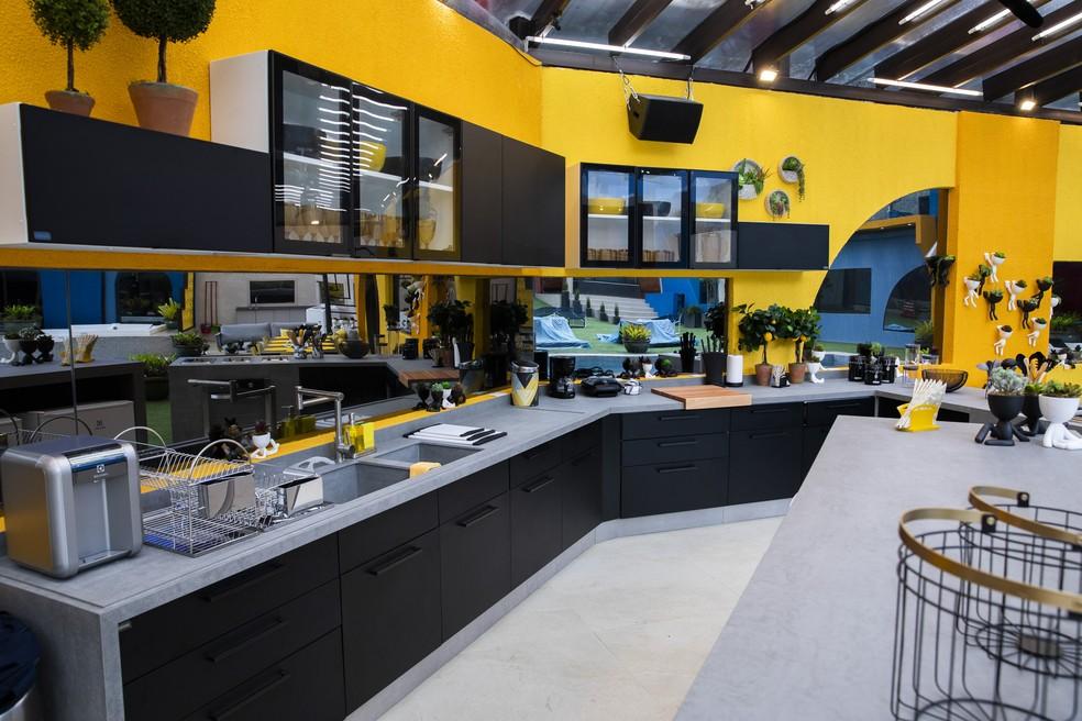 Os participantes do BBB20, contarão com uma cozinha na área externa — Foto: Victor Pollak/Globo