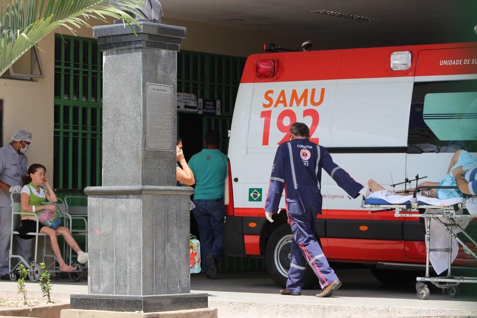 Vítima foi encaminhada para o Hospital de Urgência de Teresina — Foto: Fernando Brito/G1