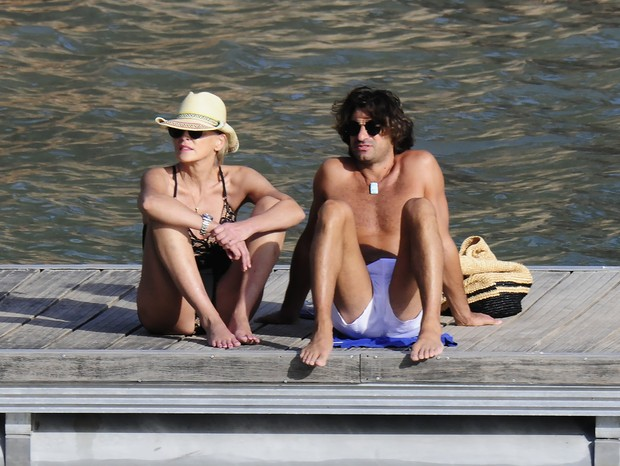 Photo © 2018 Solarpix/The Grosby GroupPREMIUM EXCLUSIVE IBIZA, SPAIN, 30 SEPTEMBER, 2018.Hollywood actress Sharon Stone 60yrs seen on a Romantic holiday with her new boyfriend,  Italian property magnet boyfriend Angelo Boffa 41 yrs in Spain.The cou (Foto: Solarpix/The Grosby Group)