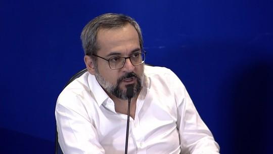 Ministro diz que fotos do Enem nas redes não são vazamento e que elas não causaram danos ao exame