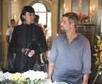 Valentina (Lilia Cabral) e Gabriel (Bruno Gagliasso) se reencontrarão em Serro Azul, no velório de Egídio (Antonio Calloni). Neste momento, ela revelará ao filho que o guardião é seu pai | TV Globo/César Alves