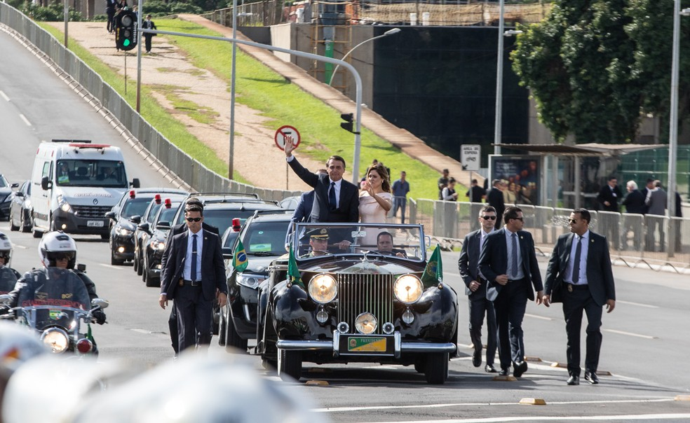 Bolsonaro e a primeira-dama, Michelle, em 1º de janeiro, na cerimônia de posse — Foto: Fábio Tito/G1