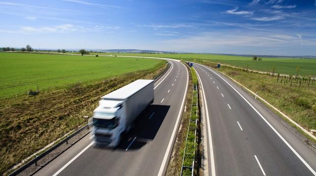 caminhao_transporte_logistica_estrada (Foto: Shutterstock)