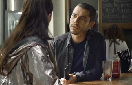 Na quinta (4), Camilo (Lee Taylor) descobrirá que Vivi mentiu para ele Reprodução