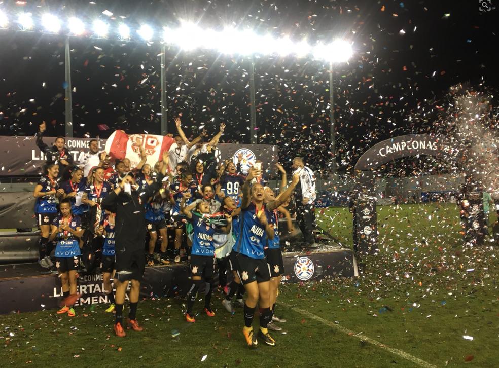 Lelê brilha nos pênaltis, e Corinthians/Audax conquista a Libertadores feminina