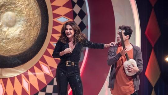 Giovanna Antonelli quebra baqueta do gongo do 'Caldeirão'; veja vídeo