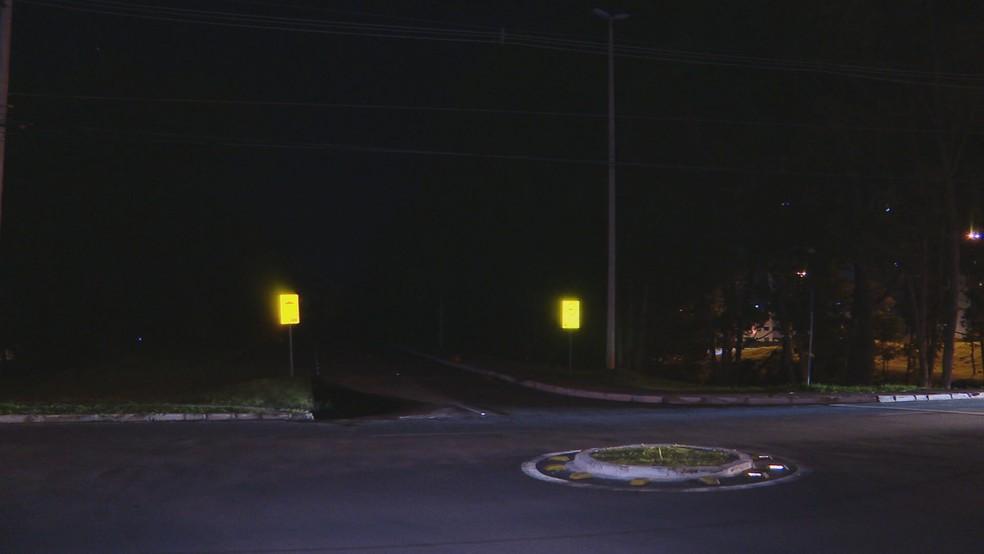 Região na rua 30 Sul, em Águas Claras, no DF, onde jovem foi estuprada  — Foto: TV Globo/Reprodução