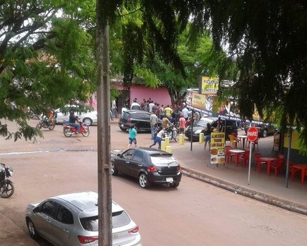 Homem foi morto com tiros de pistola e de fuzil na fronteira do Paraguai com MS. ? Foto: Léo Veras/Porã News