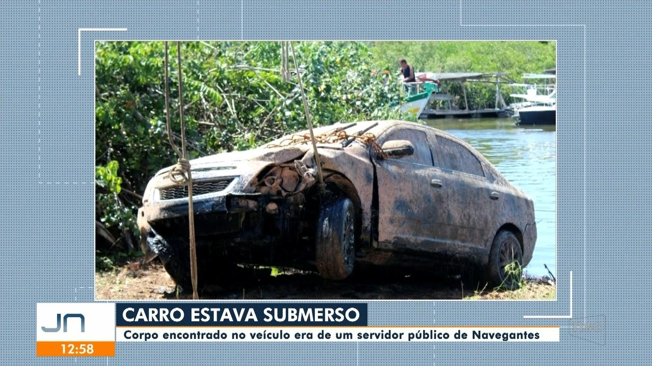 Carro é encontrado submerso e dentro estava o corpo de um servidor público de Navegantes