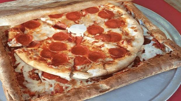 Uma caixa de pizza sabor pizza é a ideia perfeita para quem é viciado no prato (Foto: Reprodução)
